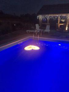 Романтический вечер с бассейном